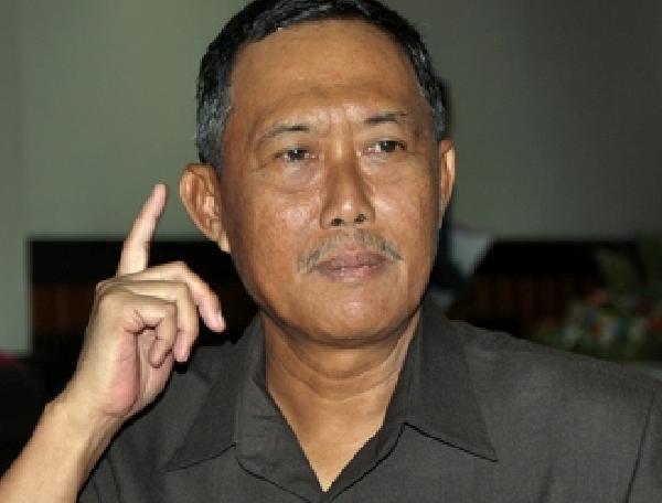 <!--:id-->Gubernur Kalsel Bantah Data FITRA<!--:-->