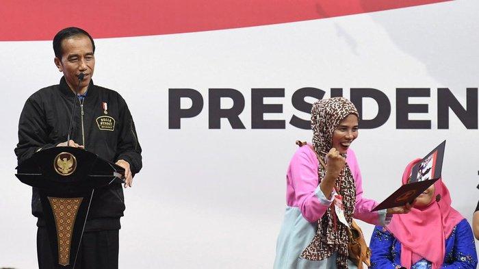 Soal Cuitan Jokowi, Apa Salahnya Negara Memberi Bantuan Sosial?